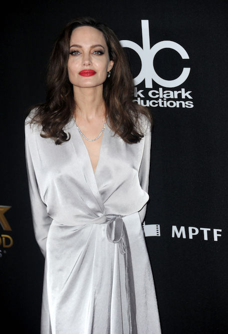 Анджелина Джоли в платье Jenny Packham затмила всех на Hollywood Film Awards. Фото