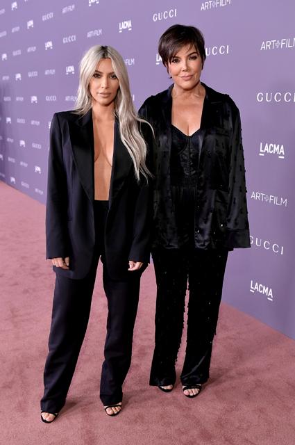 Ким Кардашьян пришла на LACMA Art без нижнего белья и в одном пиджаке! Фото
