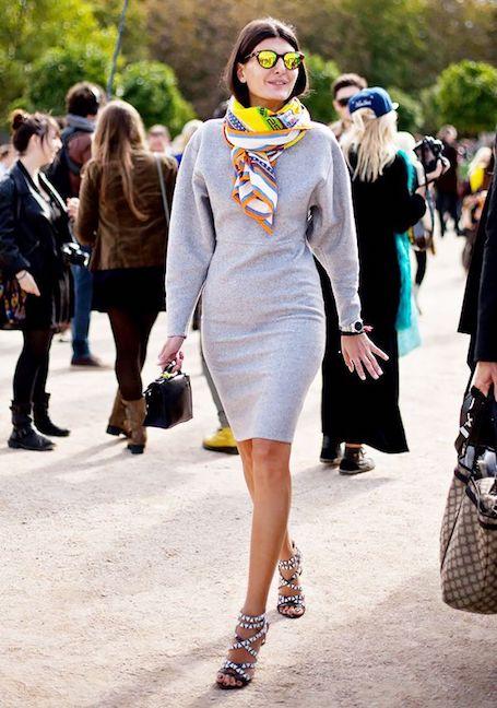 Яркий акцент: 15 способов носить шелковый платок в этом сезоне. Фото