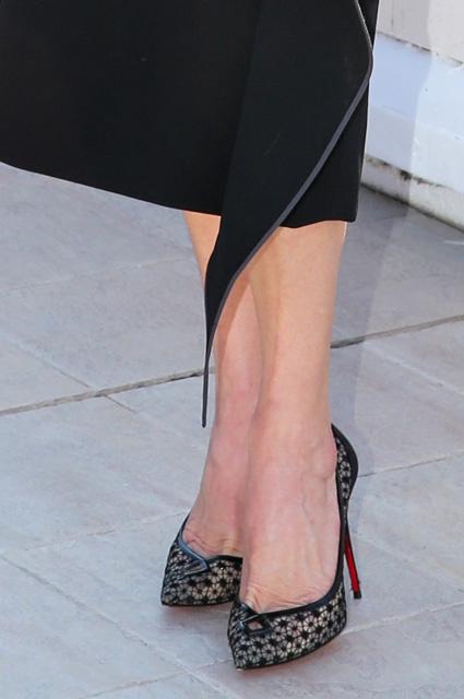 48-летняя Кэтрин Зета-Джонс подчеркнула неувядающую красоту супер платьем. Фото
