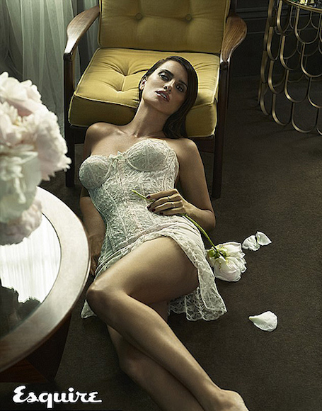 43-летняя Пенелопа Крус полностью разделась для фотосета Esquire. Фото