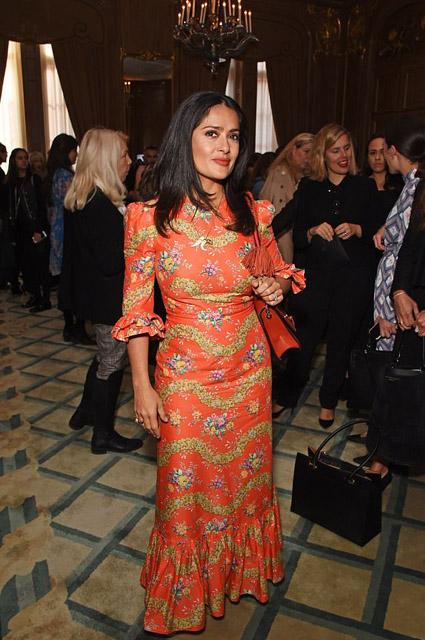 Сальма Хайек в колоритном платье-фламенко затмевала красотой на рауте в Лондоне. Фото