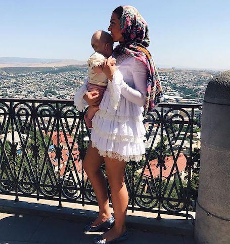 Анна Седокова впервые показала фанатам 6-месячного сына Гектора. Фото