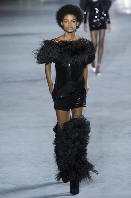 Неделя моды в Париже: показ Saint Laurent. Фото