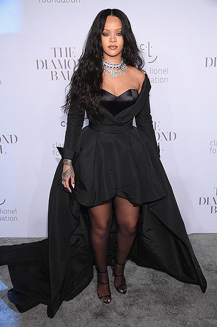 Diamond Ball: располневшая Рианна завораживает женственной сексуальностью. Фото