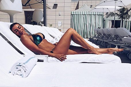 Звезда в бикини: Анна Седокова вернулась в идеальную форму после родов. Фото