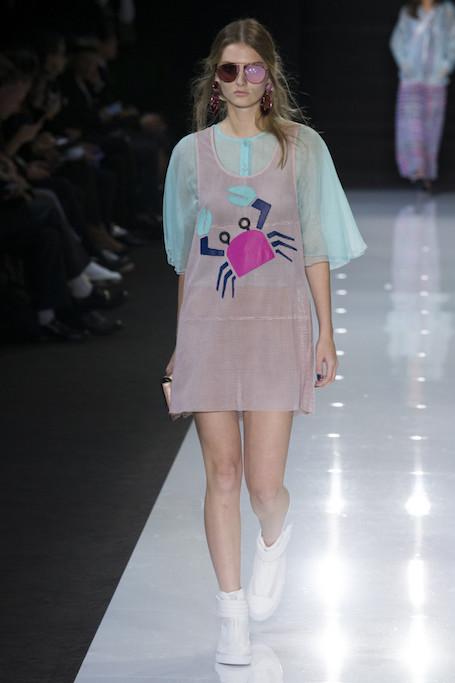 Неделя моды в Лондоне: летняя нега на показе Emporio Armani. Фото