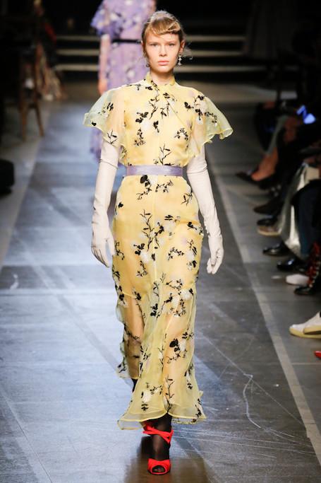 Неделя моды в Лондоне: ретро стиль на показе Erdem. Фото
