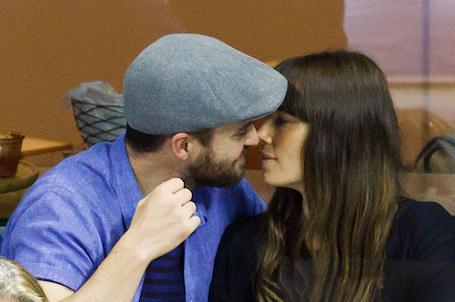 Джастин Тимберлейк и Джессика Бил стали центром внимания на теннисном матче! Фото