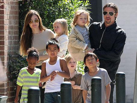 Как сильно повзрослели все дети Анджелины Джоли за последние 5 лет? Фото