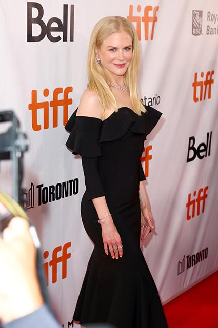 50-летняя Николь Кидман очаровала изысканным платьем на фестивале в Торонто. Фото