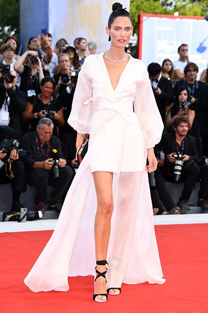 Венецианский кинофестиваль-2017: 8 лучших платьев с церемонии открытия. Фото
