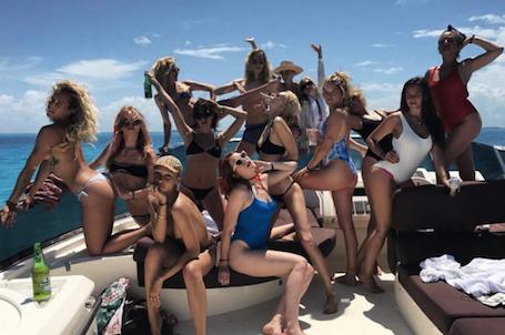 Кара Делевинь закатила в Мексике невероятную вечеринку в честь своего 25-летия! Фото