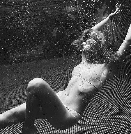 Соня Киперман становится в сто раз сексуальнее своей мамы Веры Брежневой! Фото