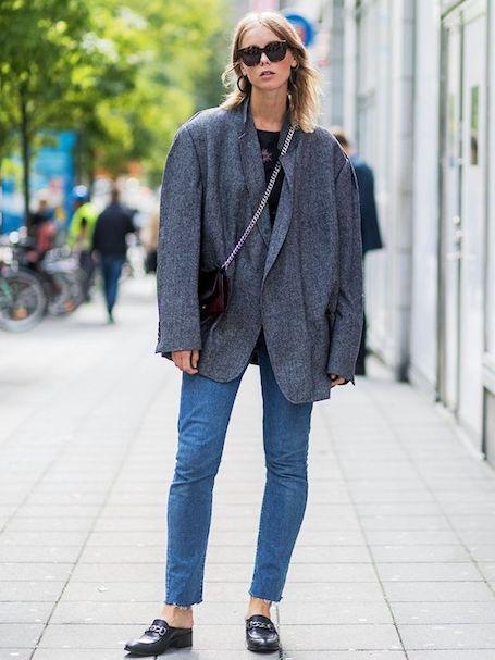 Как модно носить блейзер в переходной период с лета в осень. Фото