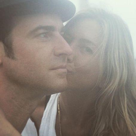 В честь дня свадьбы: Джастин Теру поделился нежным селфи с Дженнифер Энистон. Фото