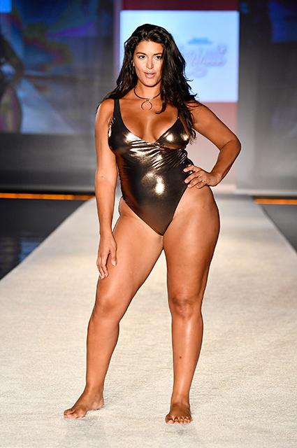Мода на ожирение: показ Sports Illustrated раскритиковали из-за моделей plus size. Фото
