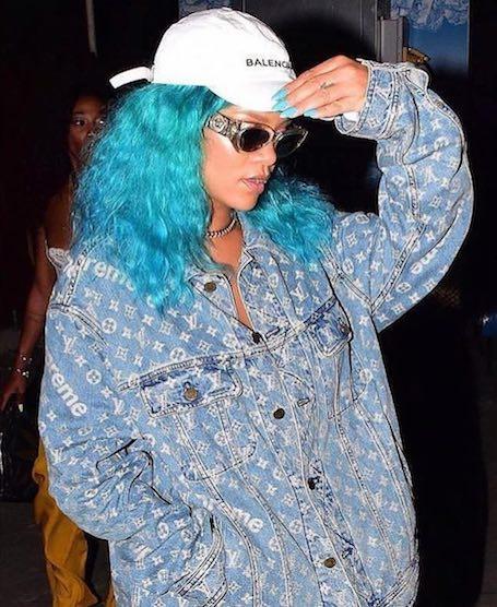 Словно русалка: Рианна перекрасила волосы в бирюзовый! Фото