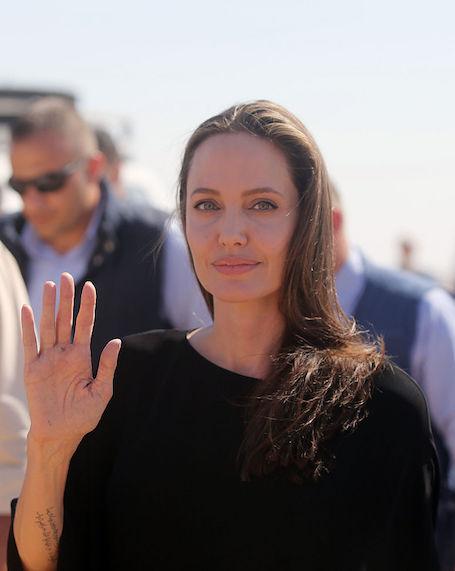 Анджелина Джоли родит ребенка от нового бойфренда с помощью суррогатной матери!