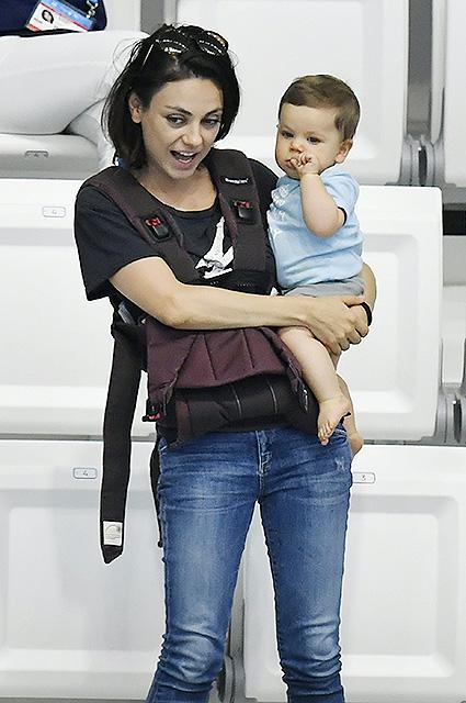 Подросшие дети Милы Кунис и Эштона Катчера — самые милые в Голливуде! Фото