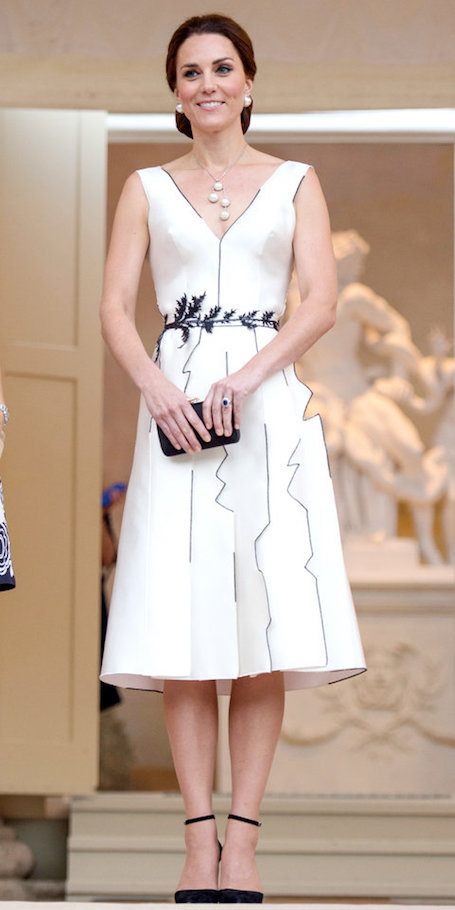 Кейт Миддлтон на прием в Варшаве надела пикантное платье от польского бренда. Фото