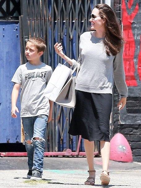 Возрожденная красота: похорошевшая Анджелина Джоли радуется жизни! Фото