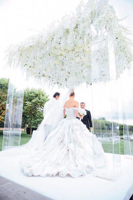 Экс-Холостяк Максим Чмерковский похвастался шикарными фото со своей свадьбы!