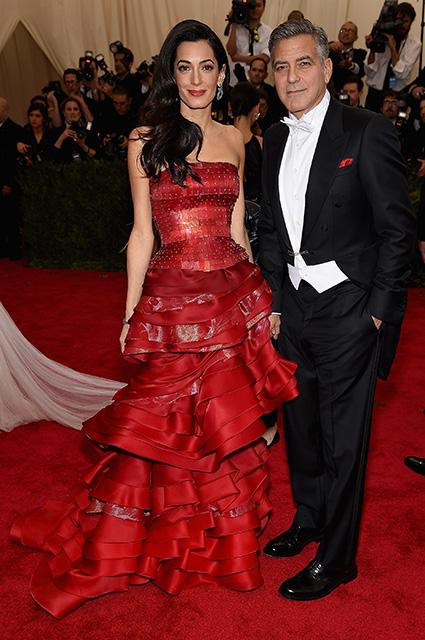 Амаль и Джордж Клуни впервые вышли в свет с сыном Александром и дочерью Эллой