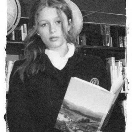 Пэрис Хилтон показала детские фото, на которых она просто неузнаваема! Фото