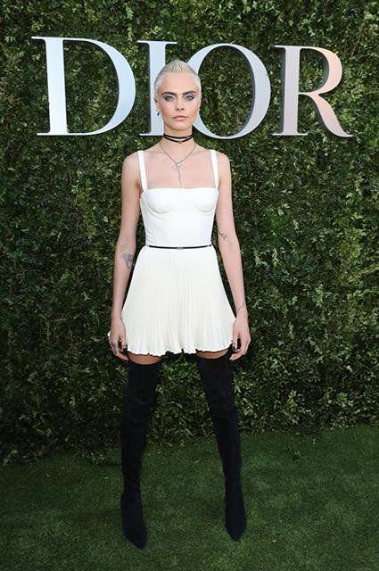 Футуристическая дива: Кара Делевинь на выставке Dior в Париже. Фото