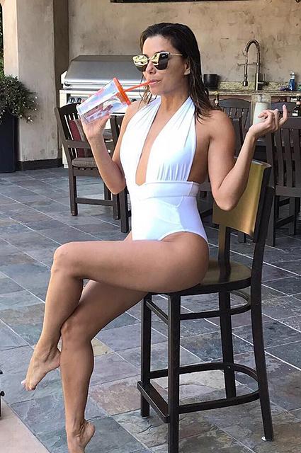 Дива в белом бикини: Ева Лонгория удивительно быстро похудела! Фото