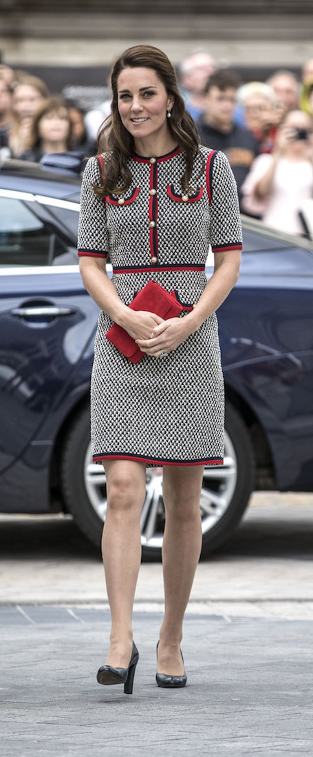 Шах и мат: Кейт Миддлтон в платье Gucci произвела настоящий фурор! Фото