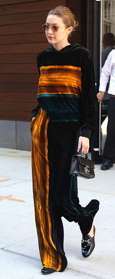Оптические иллюзии в стиле 90-х: Джиджи Хадид показала модный образ. Фото