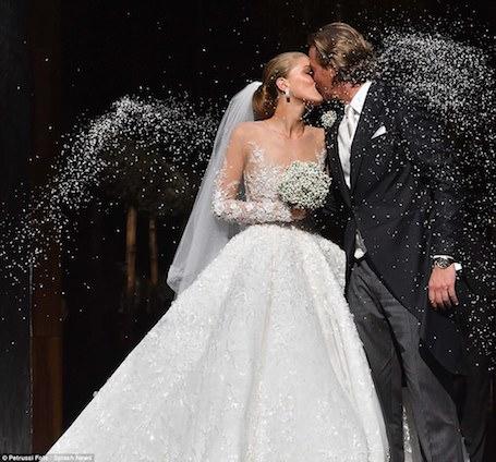 Свадьба наследницы Swarovski: платье весом 46 кг и стоимостью миллион долл! Фото