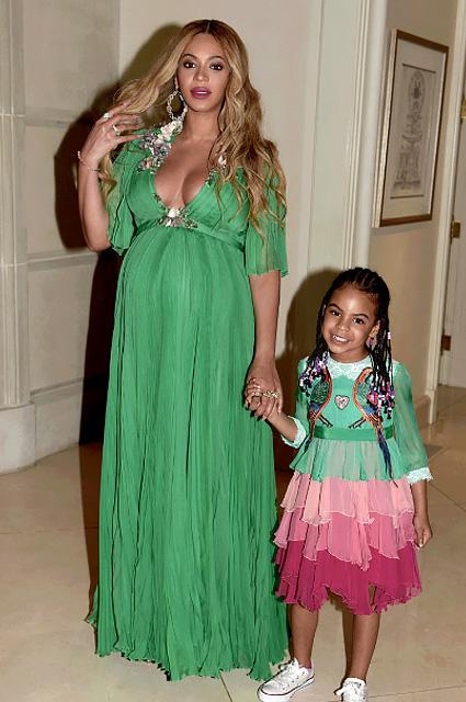 Бейонсе стала мамой: 7 лучших нарядов звезды за время беременности. Фото