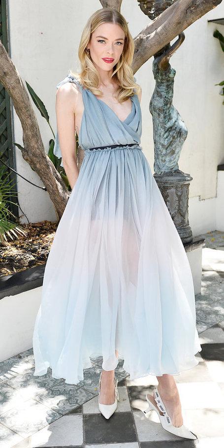 Новое имя: Джейми Кинг ослепительно хороша в вечернем платье с градиентом. Фото