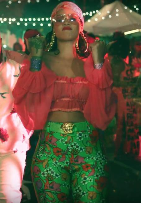 Дикая штучка: смелый образ Рианны для нового клипа стал причиной скандала! Фото