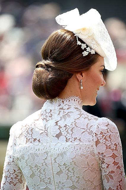 Скромная откровенность: Кейт Миддлтон в кружевном платье Alexander McQueen. Фото