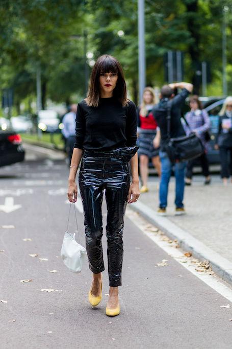 Модный винил: 13 способов носить актуальные лакированные вещи
