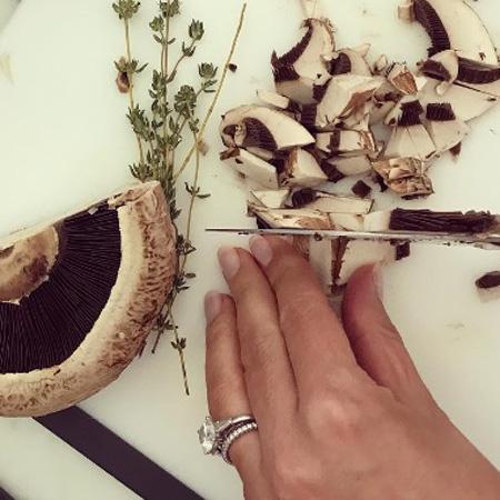 Бриллианты всегда в моде: Миранда Керр показала роскошный перстень. Фото