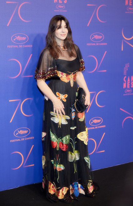 Моника Беллуччи просто бесподобна в черном платье с ночными бабочками. Фото