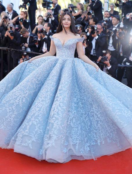 Королева Каннского кинофестиваля: 5 лучших платьев Айшварии Рай. Фото