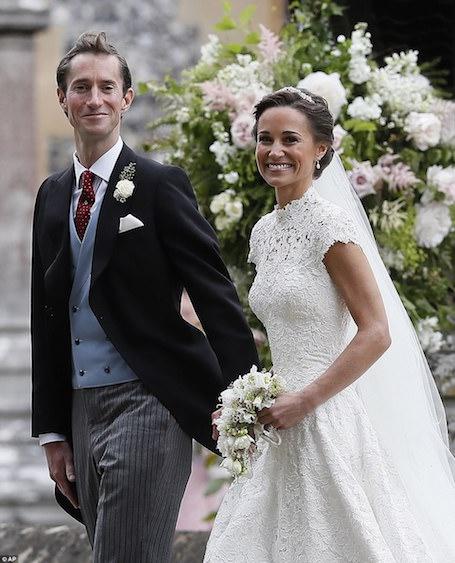 Невеста года: невероятное свадебное платье Giles Deacon для Пиппы Миддлтон! Фото