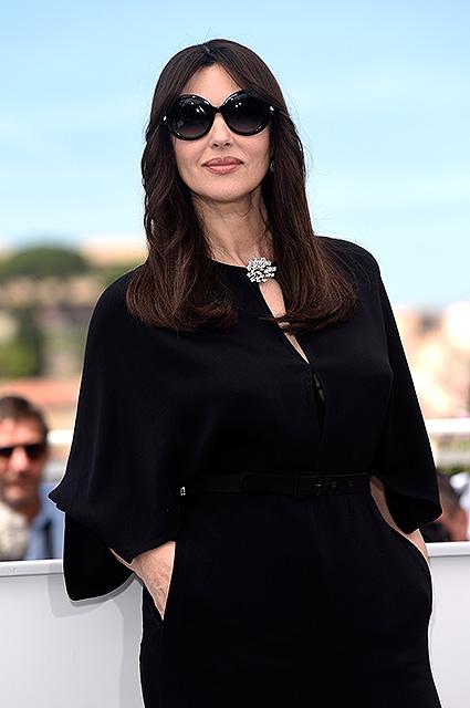 Моника Беллуччи на Каннском кинофестивале блистала в черном комбинезоне. Фото