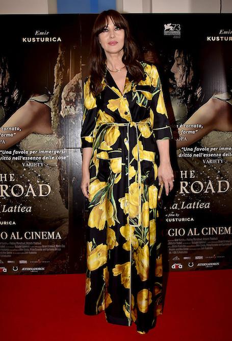 Моника Беллуччи в черном платье-халате Dolce Gabbana завоевала целый Рим! Фото