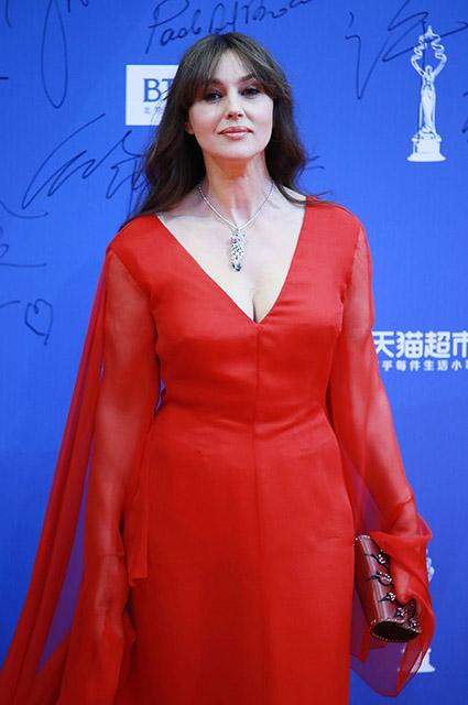 Идеальная женщина по-итальянски: 2 выхода Моники Беллуччи в Пекине. Фото