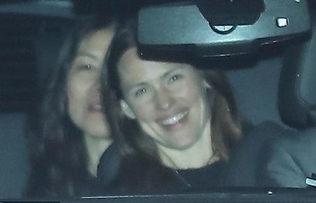 Дженнифер Гарнер отметила 45-й день рождения разводом с Беном Аффлеком. Фото