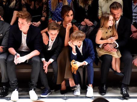 Виктория Бекхэм создала для 5-летней дочери собственный бренд Harper Beckham! Фото