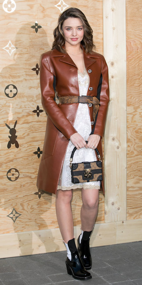 Миранда Керр показала, как нужно носить кожу этой весной. Фото