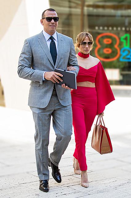 Модная парочка: Дженнифер Лопес и Алекс Родригес показали шикарные образы! Фото